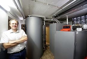 Hybridheizung Pellets und Solarthermie: erneuerbare Energien pur bei Tester Carsten Tamm